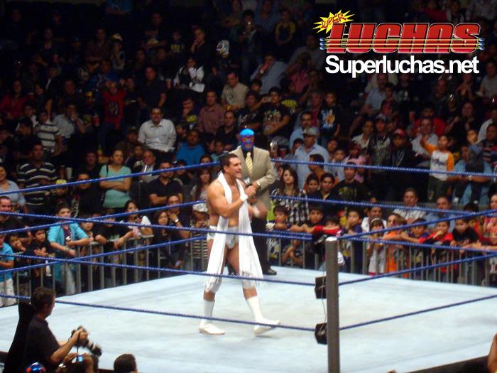 Alberto del Rio en el WWE Smackdown World Tour en Monterrey (7 octubre 2010)