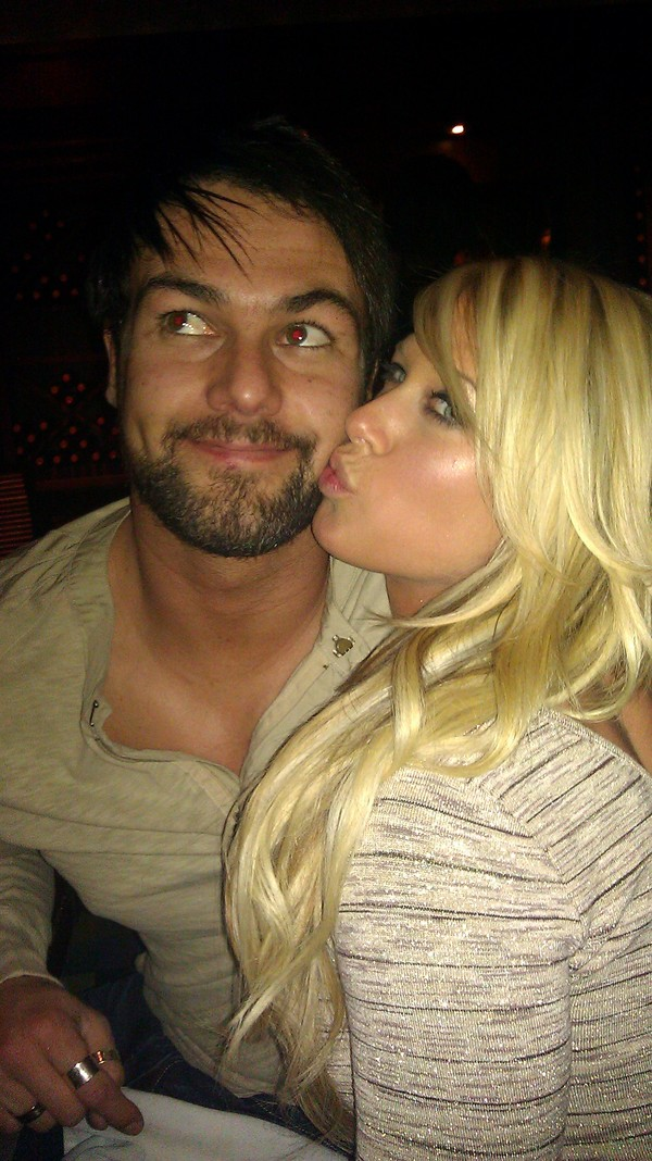 Barbara Blank y Paul Lloyd, Jr. (Kelly Kelly y Justin Gabriel)