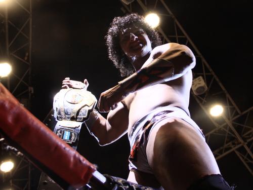 Rush Habla después de ganar el campeonato mundial semicompleto del CMLL 1