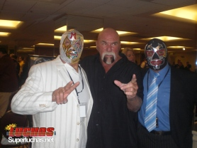 Mil Mascaras, Billy Graham y Dos Caras en Wrestlereunion 5 / Photo by Humberto Quijano