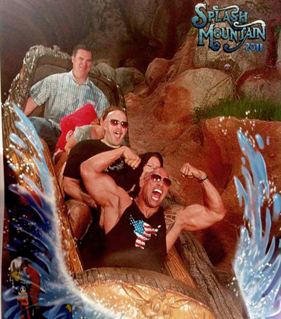 The Rock en Splash Mountain / facebook.com/DwayneJohnson