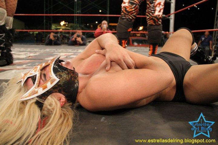 Sexy Star perdió una lucha EXXXTREMA de Prendas ante Lolita