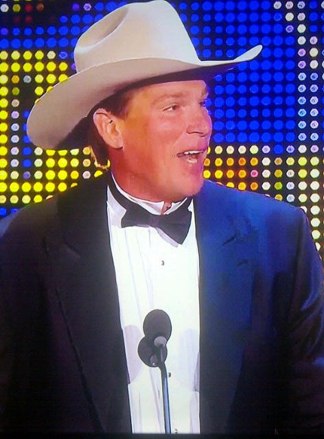JBL induce a Ron Simmons al WWE Hall of Fame Class 2012 (31.3.12) / Facebook.com/WWE