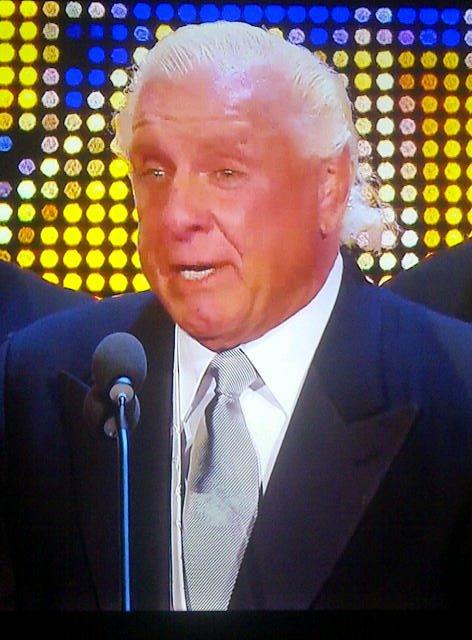 Ric Flair da su discurso en su segunda inducción al WWE Hall of Fame (31.3.12) / Facebook.com/WWE