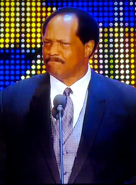 Ron Simmons da su discurso en el WWE Hall of Fame Class 2012 (31.3.12) / Facebook.com/WWE