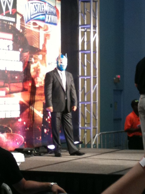 Sin Cara en el Wrestlemania Axxess 2012 - #WM28