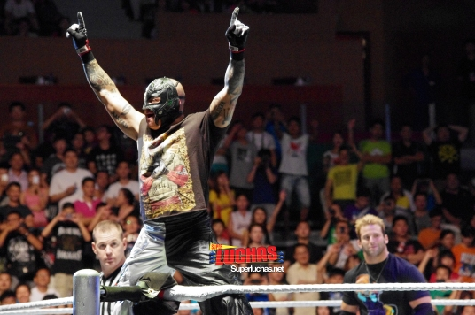 Rey Mysterio en Shanghai, China / Photo by @CruzPan – Authorized to Superluchas.net