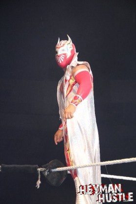 Sin Cara en Trenton, New Jersey (19/10/12) / Photo by: Digital Charlie – HeymanHustle.com