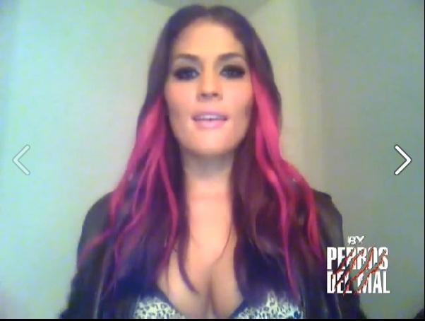 Ivelisse Vélez, rumbo a su presentación con los Perros del Mal // 20 de diciembre de 2012 // Video by Producciones Perros del Mal en Facebook - Captura de pantalla por Dement X-treMEX 187