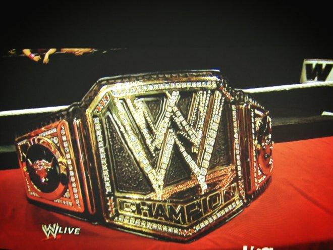 el-nuevo-wwe-championship-personalizado-para-the-rock-18-2-13.jpg?w