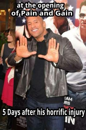 The Rock en la premiere de Pain and Gain después de 5 días de su lesion| Meme