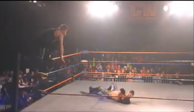 Captura de 2CW - John Morrison vs. Kevin Steen
