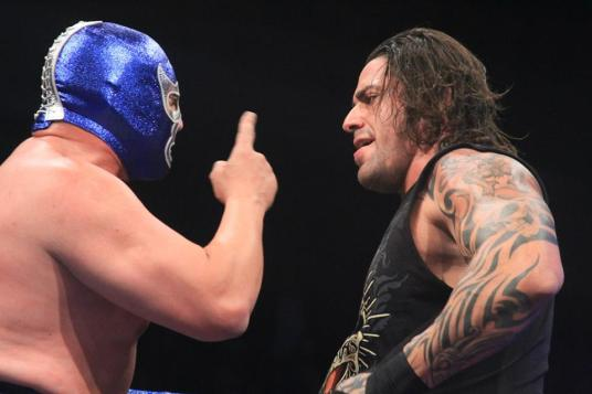 Blue Demon vs El Mesias / photo by www.luchalibreaaa.com