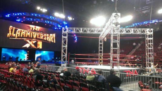 Fotografía reveladora del escenario de TNA Slammiversary XI